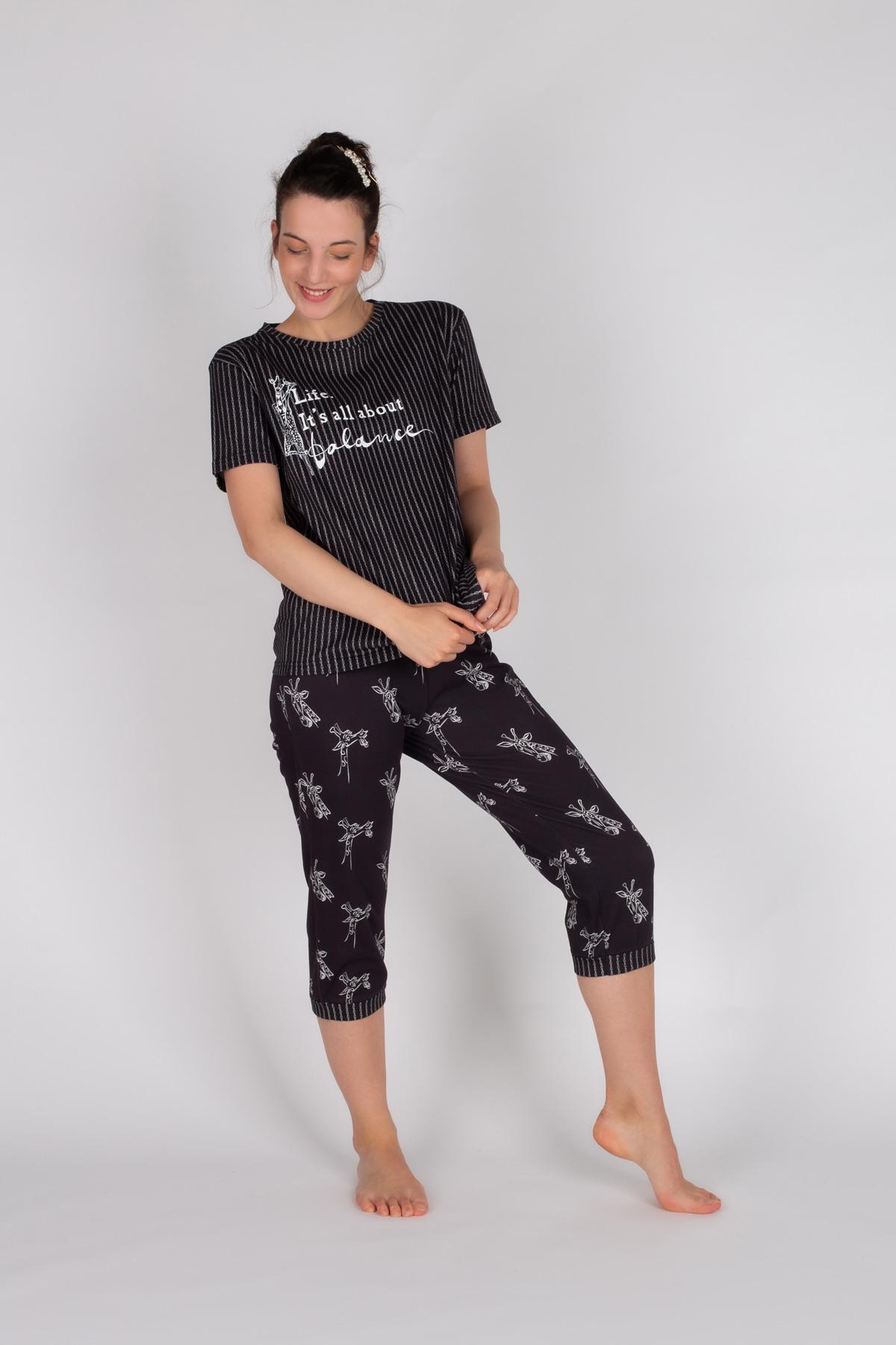 Kadın Pamuklu Kapri Pijama Takımı