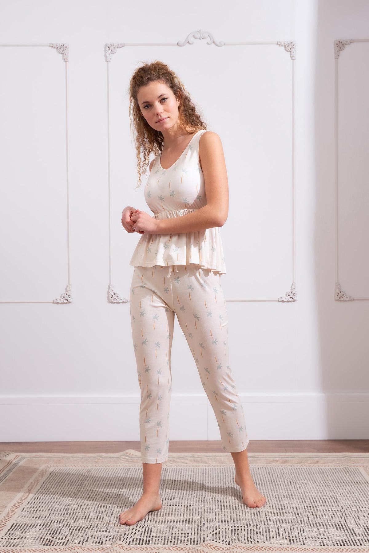 Kadın Soft Palmiye Baskılı Midi Kapri Pijama Takımı