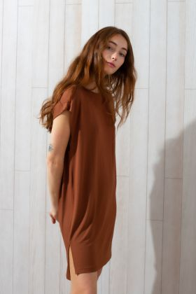 Kadın Kolsuz Yandan Yırtmaç Detaylı Elbise